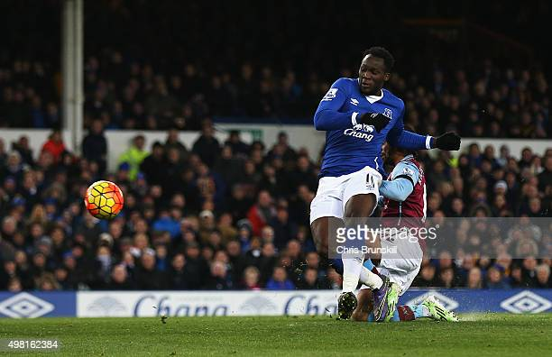 Romelu Lukaku of Everton scores his team's fourth goal during the Barclays Premier League match between Everton and Aston Villa at Goodison Park on...