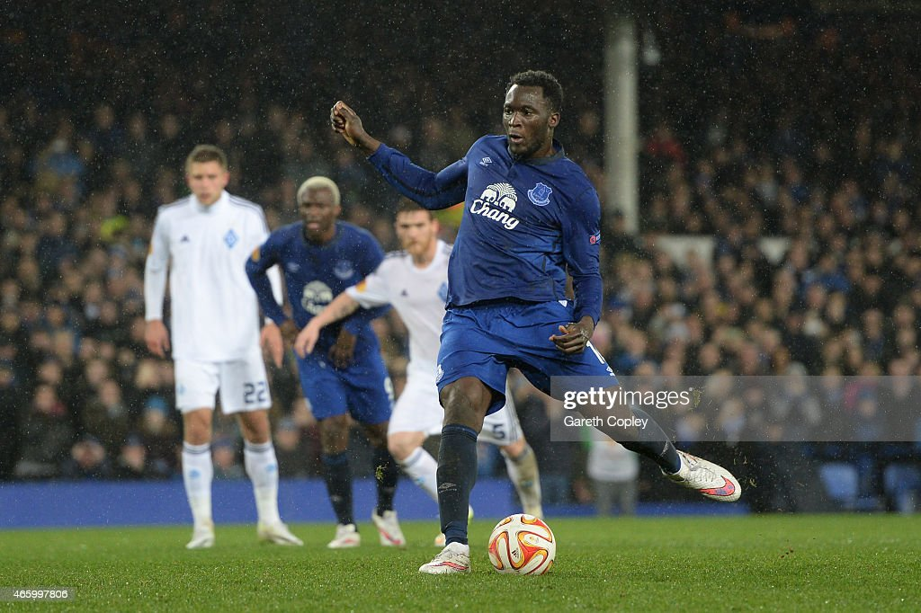 Romelu Lukaku of Everton scores his team's second goal from the penalty spot during the UEFA Europa League Round of 16, first leg match between Everton and FC Dynamo Kyiv at Goodison Park on March 12, 2015 in Liverpool, United Kingdom.