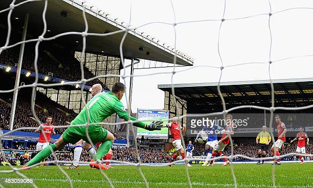 Romelu Lukaku of Everton scores the second goal during the Barclays Premier League match between Everton and Arsenal at Goodison Park on April 6 2014...