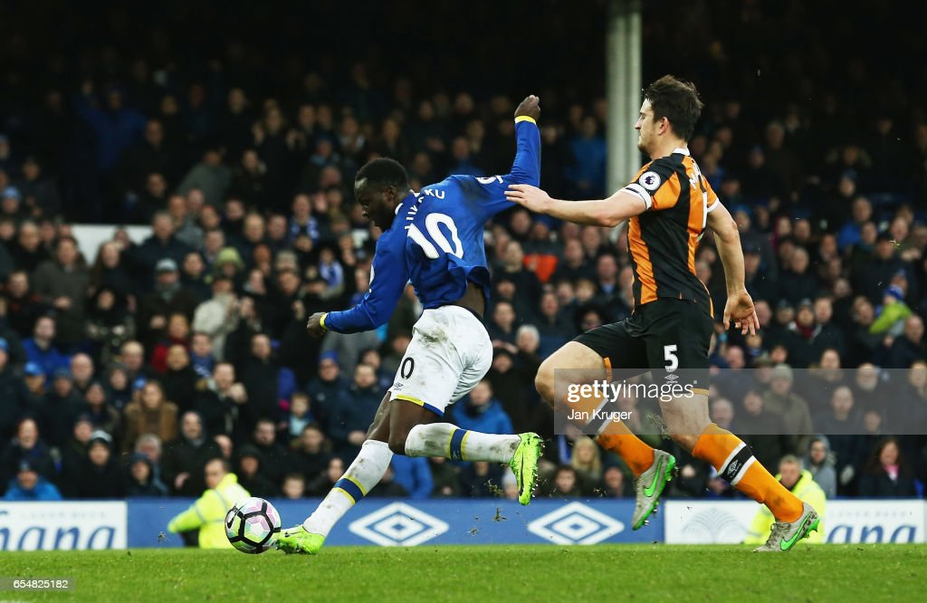 Romelu Lukaku of Everton (10) scores their fourth goal during the Premier League match between Everton and Hull City at Goodison Park on March 18, 2017 in Liverpool, England.