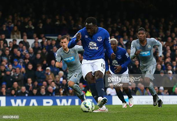 Romelu Lukaku of Everton scores their second goal from the penalty spot during the Barclays Premier League match between Everton and Newcastle United...