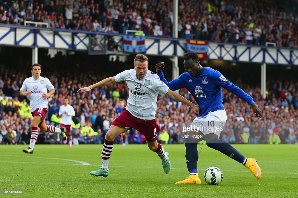 Everton v Aston Villa - Premier League : News Photo