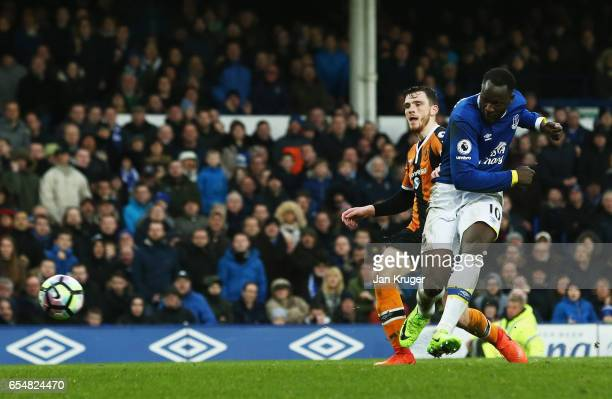 Romelu Lukaku of Everton scores their third goal during the Premier League match between Everton and Hull City at Goodison Park on March 18 2017 in...