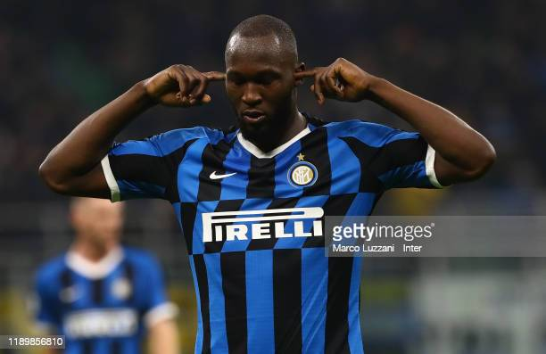 Romelu Lukaku of FC Internazionale celebrates after scoring the fourth goal during the Serie A match between FC Internazionale and Genoa CFC at...