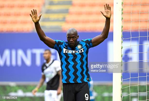 Romelu Lukaku of FC Internazionale celebrates after scoring their side's fifth goal during the Serie A match between FC Internazionale Milano and...