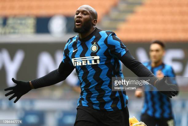 Romelu Lukaku of FC Internazionale celebrates his goal during the Serie A match between FC Internazionale and FC Crotone at Stadio Giuseppe Meazza on...