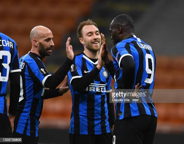 Romelu Lukaku of FC Internazionale celebrates with teammates after scoring the second goal of his team during the UEFA Europa League round of 32...