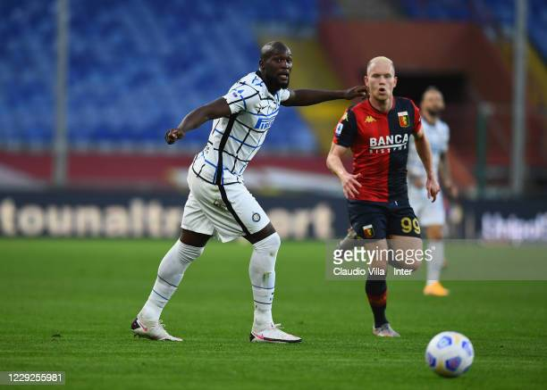 Romelu Lukaku of FC Internazionale competes for the ball with Lennart Czyborra of Genoa CFC during the Serie A match between Genoa CFC and FC...