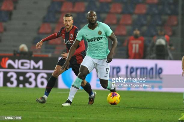 Romelu Lukaku of FC Internazionale in action during the Serie A match between Bologna FC and FC Internazionale at Stadio Renato Dall'Ara on November...