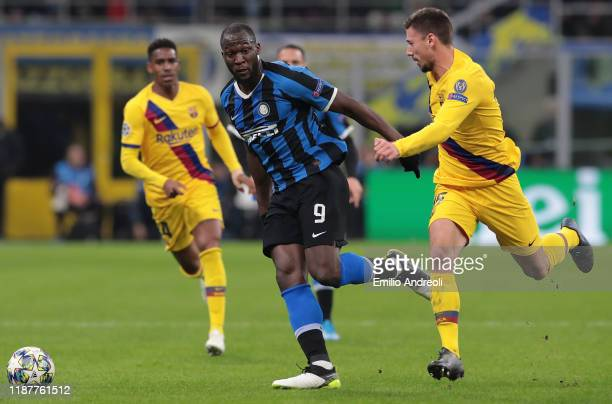 Romelu Lukaku of FC Internazionale is challenged by Clement Lenglet of FC Barcelona during the UEFA Champions League group F match between FC...