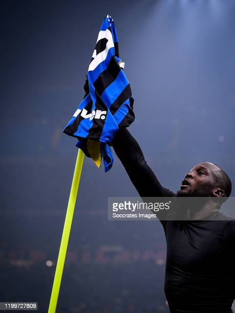 Romelu Lukaku of FC Internazionale Milano celebrates his goal the 42 during the Italian Serie A match between Internazionale v AC Milan at the San...