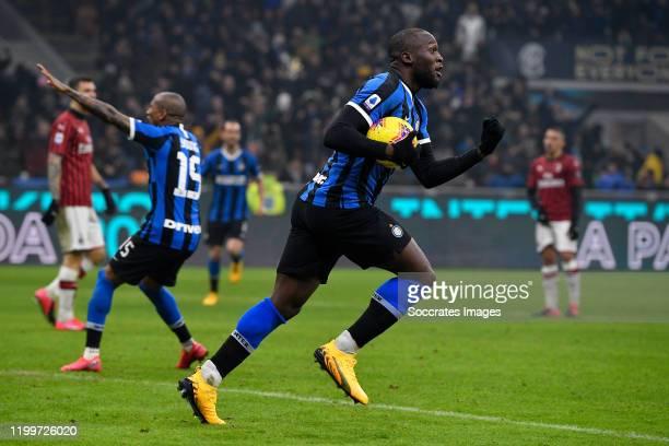 Romelu Lukaku of FC Internazionale Milano celebrates the goal during the Italian Serie A match between Internazionale v AC Milan at the San Siro on...