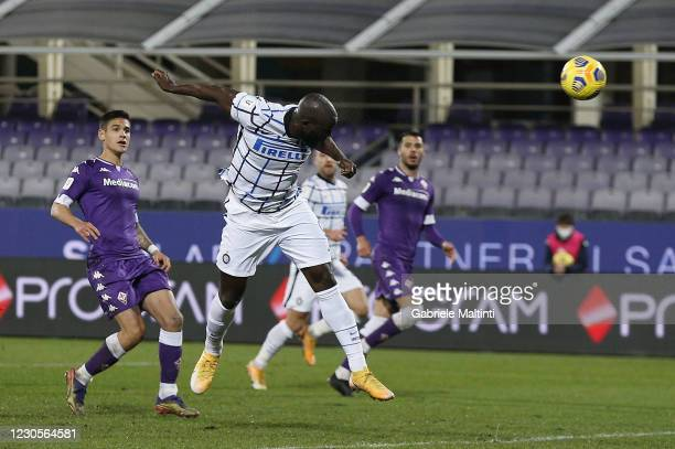 Romelu Lukaku of FC Internazionale scores a goal during the Coppa Italia match between ACF Fiorentina and FC Internazionale at Artemio Franchi on...