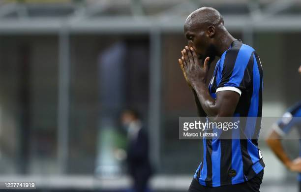 Romelu Lukaku of FC Internazionale shows his dejection during the Serie A match between FC Internazionale and ACF Fiorentina at Stadio Giuseppe...