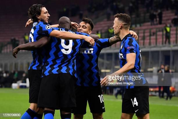 Romelu Lukaku of Inter Milan celebrates 1-0 with Lautaro Martinez of Inter Milan, Ivan Perisic of Inter Milan, Matteo Darmian of Inter Milan during...