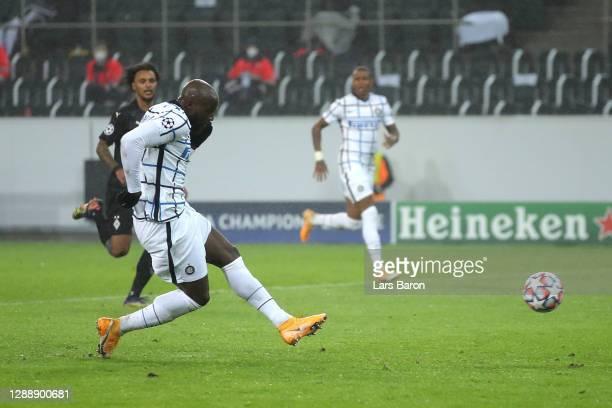 Romelu Lukaku of Inter Milan scores their team's third goal during the UEFA Champions League Group B stage match between Borussia Moenchengladbach...