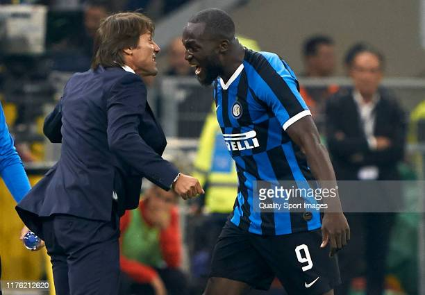 Romelu Lukaku of Internazionale celebrates after scoring his team's second goal with his manager Antonio Conte during the Serie A match between AC...