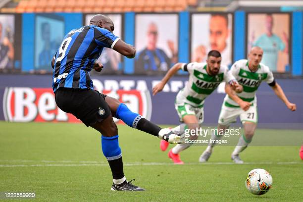 Romelu Lukaku of Internazionale scores the second goal to make it 11 during the Italian Serie A match between Internazionale v Sassuolo at the San...