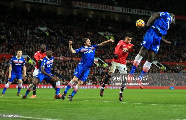 Romelu Lukaku of Man Utd Bruno Martins Indi of Stoke Joe Allen of Stoke Jesse Lingard of Man Utd and Kurt Zouma of Stoke go up for a header during...