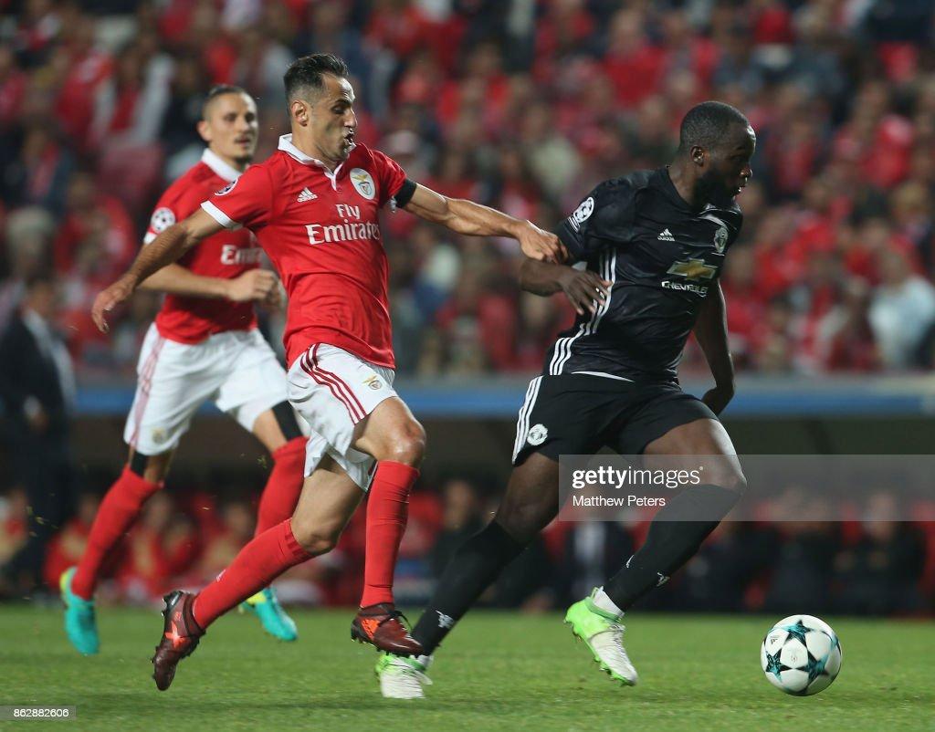 SL Benfica v Manchester United - UEFA Champions League : News Photo