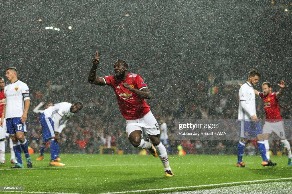 Manchester United v FC Basel - UEFA Champions League : Photo d'actualité