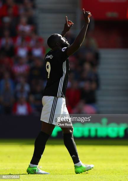 Romelu Lukaku of Manchester United celebrates scoring the opening goal during the Premier League match between Southampton and Manchester United at...