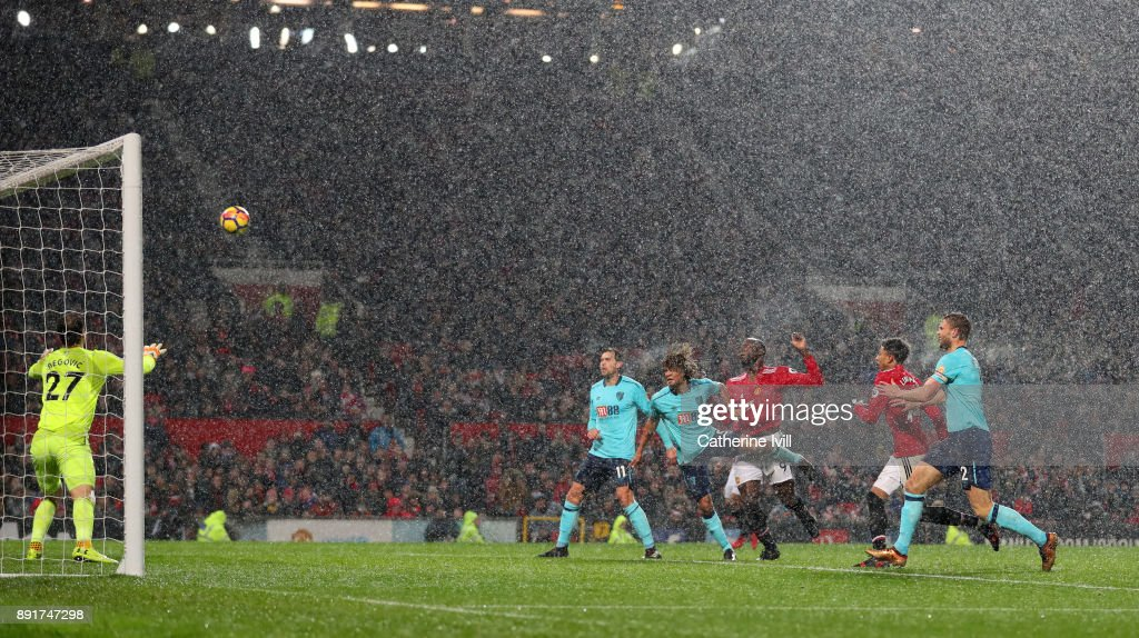 Romelu Lukaku of Manchester United scores his sides first goal during the Premier League match between Manchester United and AFC Bournemouth at Old Trafford on December 13, 2017 in Manchester, England.