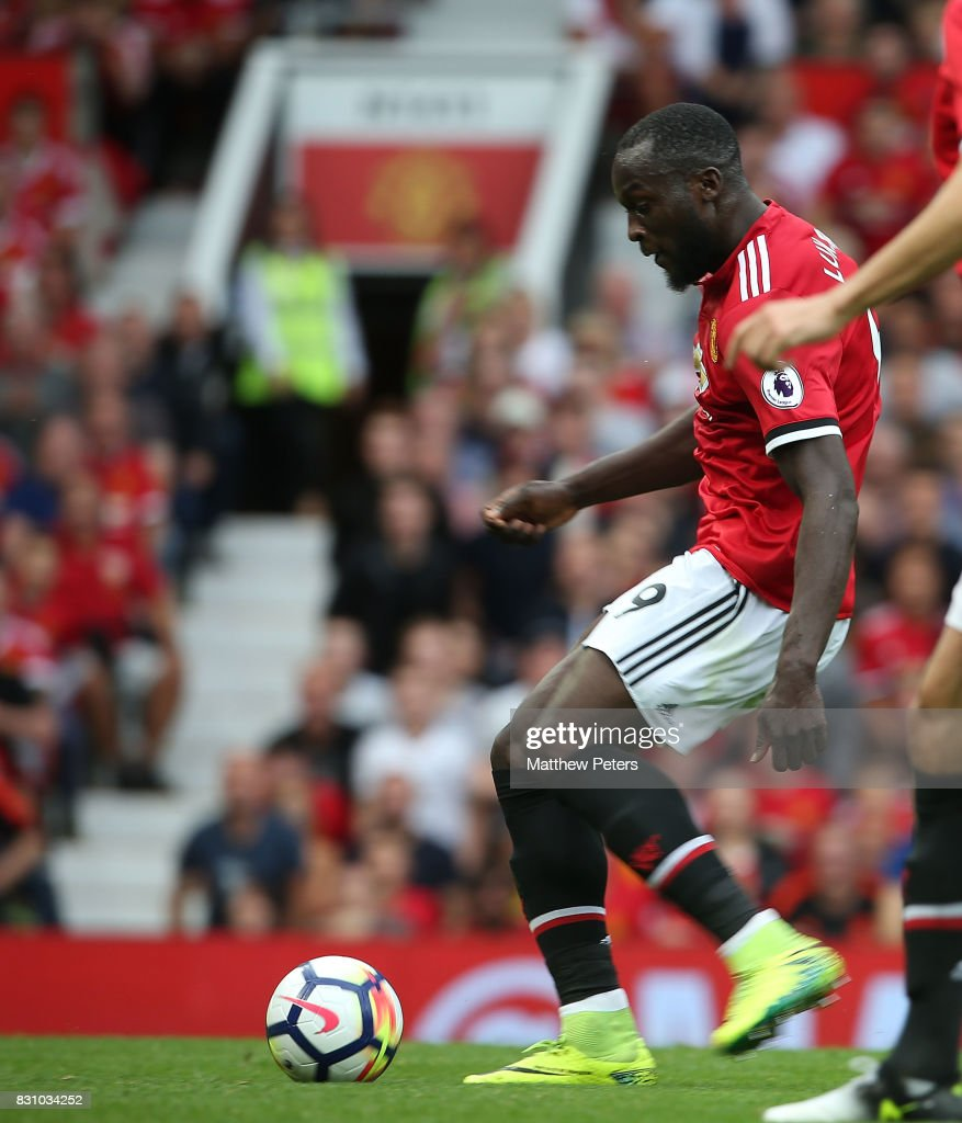 Romelu Lukaku of Manchester United scores their first goal during the Premier League match between Manchester United and West Ham United at Old Trafford on August 13, 2017 in Manchester, England.