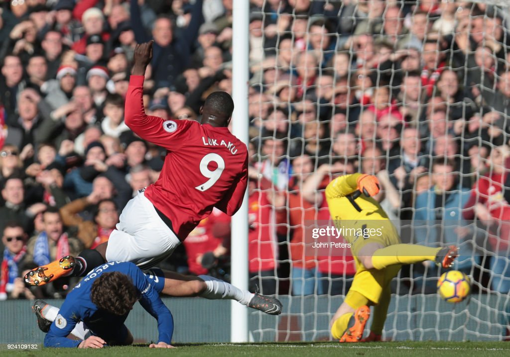 Romelu Lukaku of Manchester United scores their first goal during the Premier League match between Manchester United and Chelsea at Old Trafford on February 25, 2018 in Manchester, England.