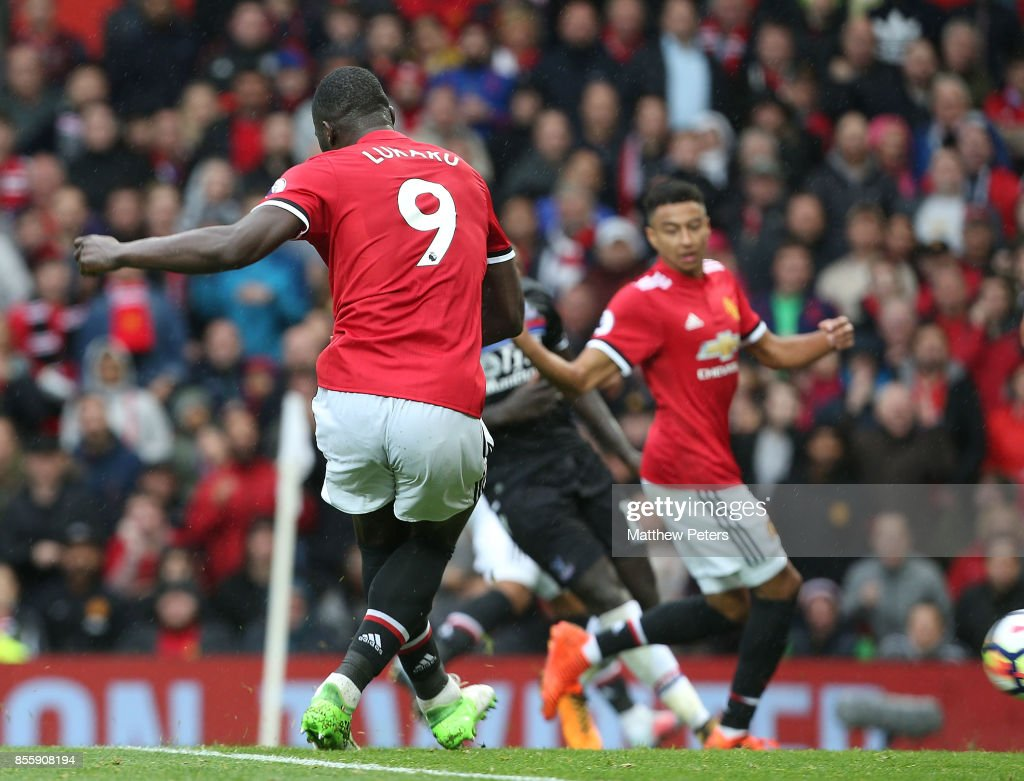 Romelu Lukaku of Manchester United scores their fourth goal during the Premier League match between Manchester United and Crystal Palace at Old Trafford on September 30, 2017 in Manchester, England.