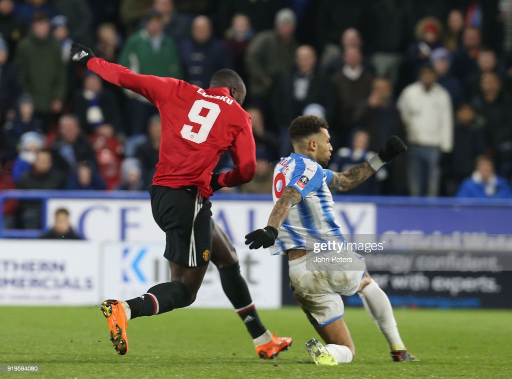 Romelu Lukaku of Manchester United scores their second goal during the Emirates FA Cup Fifth Round match between Huddersfield Town and Manchester United at Kirklees Stadium on February 17, 2018 in Huddersfield, United Kingdom.