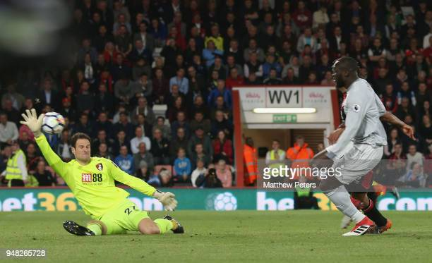 Romelu Lukaku of Manchester United scores their second goal during the Premier League match between AFC Bournemouth and Manchester United at Vitality...