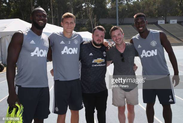 Romelu Lukaku Victor Lindelof and Paul Pogba of Manchester United pose with Game of Thrones actors John BradleyWest and Joe Dempsie ahead of a first...