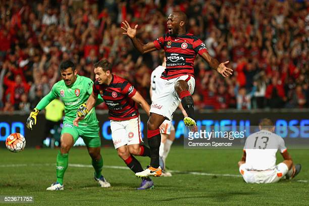 Romeo Castelen of the Wanderers celebrates scoring a goal during the ALeague Semi Final match between the Western Sydney Wanderers and the Brisbane...