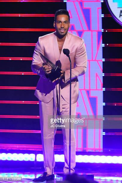 Romeo Santos accepts the Favorite Album Award onstage during the 2019 Latin American Music Awards at Dolby Theatre on October 17, 2019 in Hollywood,...