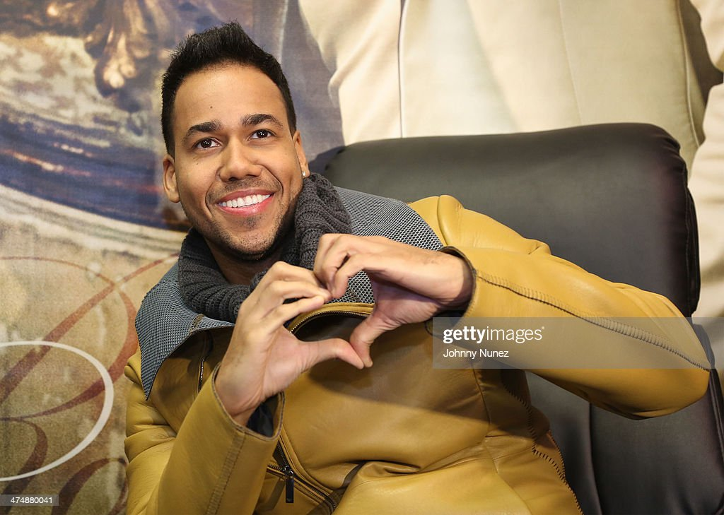 Romeo Santos' In-Store Appearance