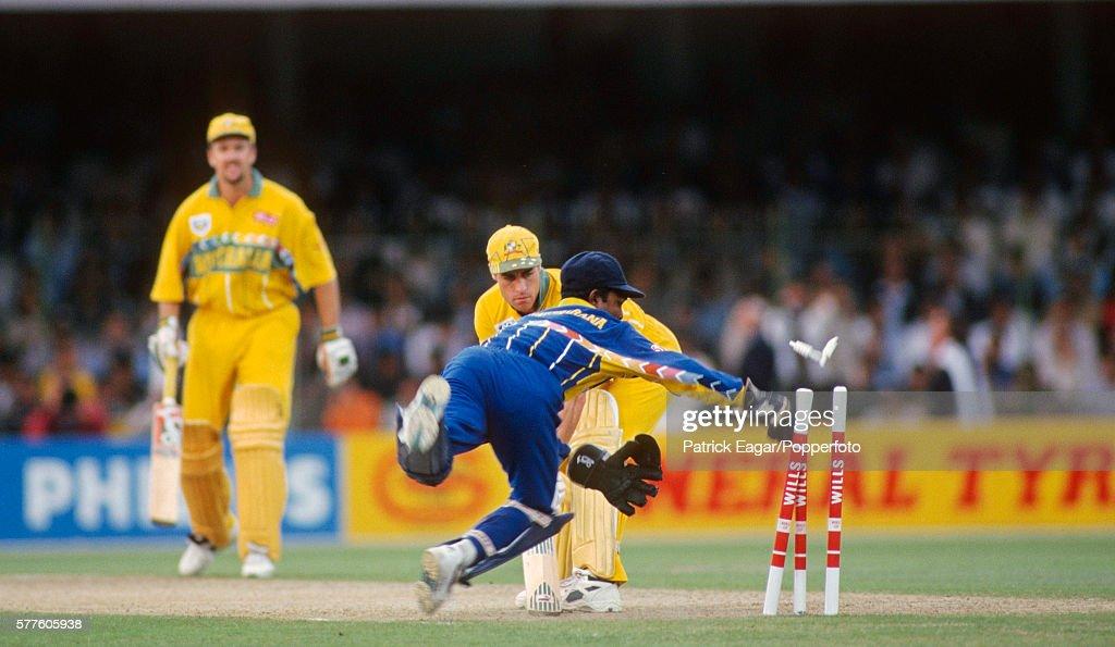 Wills World Cup Final  Australia v Sri Lanka : News Photo