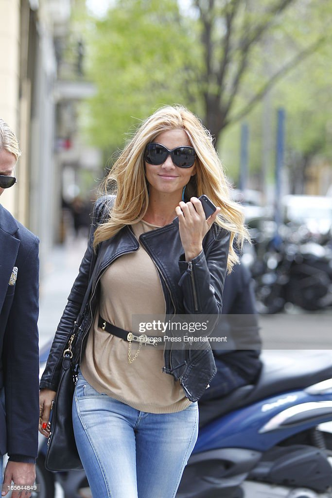 Romina Belluscio is seen going for shopping on April 4, 2013 in Madrid, Spain.