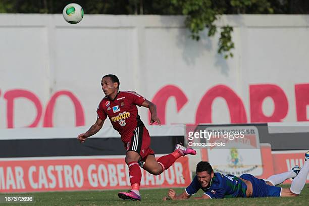 Romulo Otero of Caracas FC in action during a match between Llaneros de Guanare and Caracas FC as part of the Clausura Tournament 2013 at the Estadio...