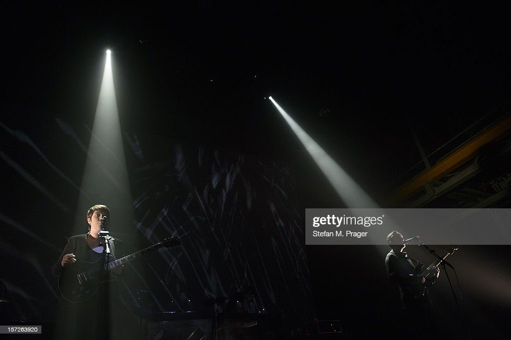 Romy Madley Croft and Jamie Smith of The XX performs at Zenith on November 30, 2012 in Munich, Germany.