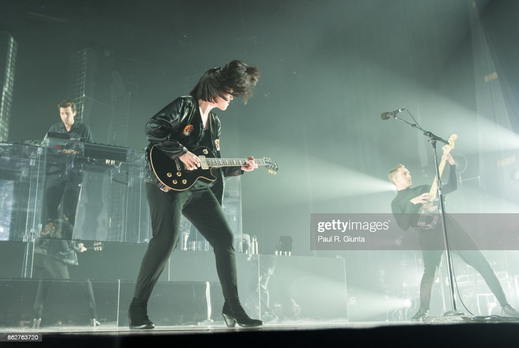 Romy Madley Croft of The XX performs on stage at Coca Cola Roxy on October 17, 2017 in Atlanta, Georgia.