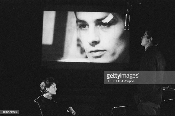 Romy Schneider And Alain Delon Romy SCHNEIDER rend visite à Alain DELON en studio où il double 'Rocco et ses frères' de Luchino VISCONTI Romy de...