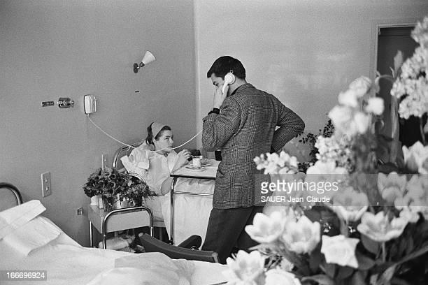 Romy Schneider At A Private Hospital Le 14 mars 1961 Romy SCHNEIDER est hospitalisée à la clinique Ambroise PARÉ de NEUILLYSURSEINE pour une crise...