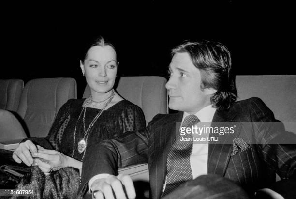 Romy Schneider et Daniel Biasini lors d'un diner au restaurant de l'hôtel Méridien à Paris le 15 janvier 1979 France