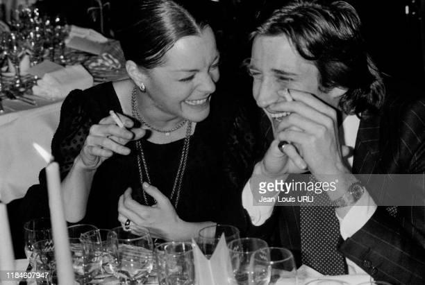 Romy Schneider et Daniel Biasini lors d'un dîner au restaurant de l'hôtel Méridien à Paris le 15 janvier 1979 France