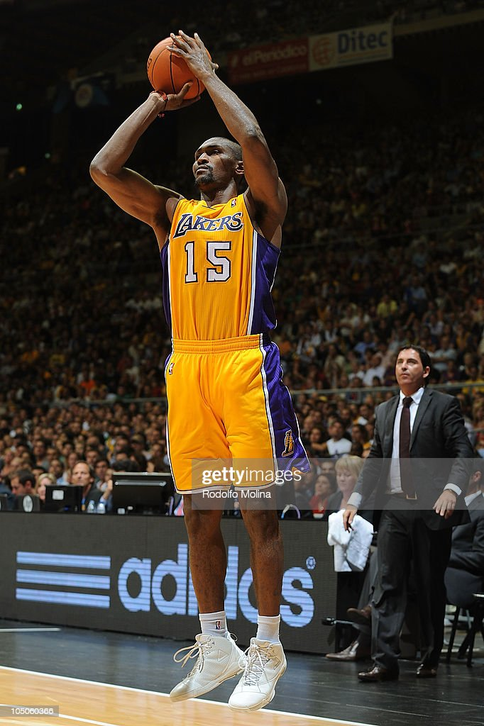 Regal FC Barcelona v LA Lakers : News Photo