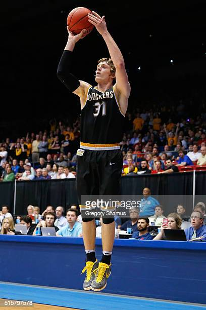 Ron Baker of the Wichita State Shockers shoots the ball in the second half against the Vanderbilt Commodores during the first round of the 2016 NCAA...