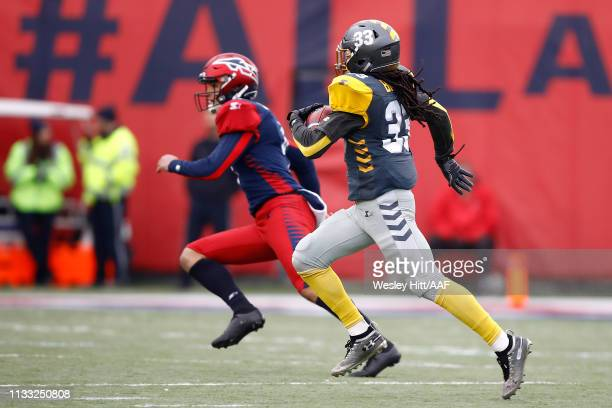 Ron Brooks of San Diego Fleet returns a first quarter punt return for a touchdown against the San Diego Fleet in the Alliance of American Football...