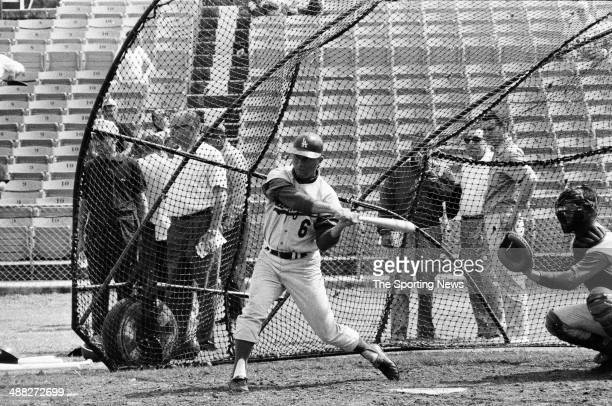 Ron Fairly takes batting practice circa March 1964