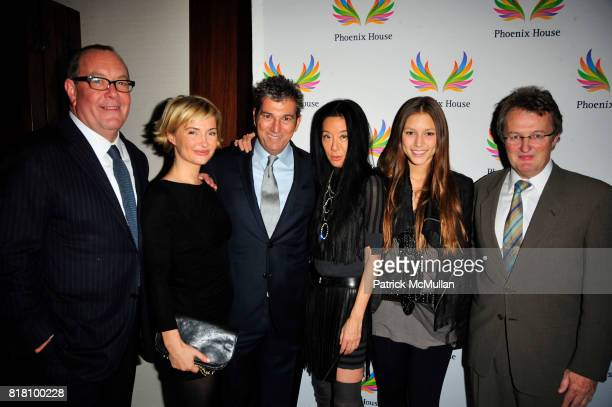 Ron Frasch, Jenny Dyer, Andrew Rosen, Vera Wang, Josephine Becker and Howard Meitiner attend PHOENIX HOUSE Fashion Award Dinner at Empire Ballroom...